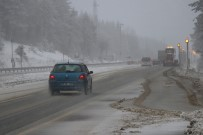ABANT - Bolu Dağı'nda kar yağışı ve sis etkili oluyor