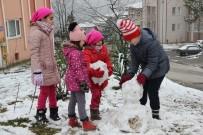 Çocukların Uzun Süredir Beklediği Kar Yağdı
