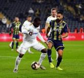 KADıOĞLU - Fenerbahçe 2 Golle Turladı