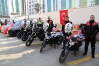 İŞ İNSANLARI - Hayırsever İş Adamlarından İskenderun Emniyetine Motosiklet Ve Araç Hibesi