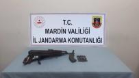 Jandarma Ekipleri Taşların Arasına Gizlenmiş Silah Ele Geçirdi