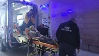 GENÇ KIZ - Karbonmonoksitten Zehirlenen Genç Kız Hastaneye Kaldırıldı