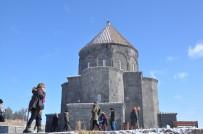 YABANCI TURİST - Kars'a Yerli Ve Yabancı Turistlerden Yoğun İlgi