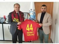 MALATYASPOR - Malatyaspor Taraftarlar Derneği'nden 'Karneni Getir Atkını Al' Projesi