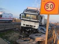 Nusaybin İpek Yolunda Trafik Kazası Açıklaması 2 Yaralı