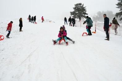Sevgi Evlerinde Kalan Çocuklar Keltepe Kayak Merkezi'nde Doyasıya Eğlendi