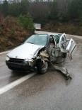 Sinop'ta Trafik Kazası Açıklaması 1'İ Çocuk 3 Yaralı