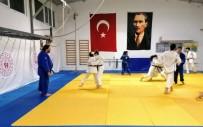 ŞAMPIYON - Yunusemreli Judocular Ümitler Türkiye Şampiyonasına Hazırlanıyor
