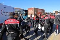 HASTANE - Antalya'da Trafik Kazasında 2 Polis Memuru Yaralandı