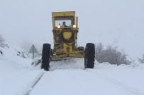 Elazığ'da Kardan Kapanan 67 Köy Yolu Açıldı, 6'Sında Çalışma Sürüyor
