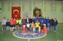 ŞAMPIYON - Avrupa Şampiyonu Hokey Takımına Baklavalı Uğurlama