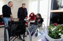 Başkan Kılınç'tan Engelli Vatandaşa Tekerlekli Sandalye