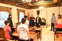 ŞAMPIYON - Başkan Yardımcısı Yüzer, Şampiyon Boksörleri Tebrik Etti