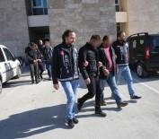 Emlakçıya Kahve Bahaneli Şantaj Ve Gaspa 6 Gözaltı