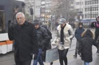 20 DAKİKA - Eskişehir'de Aynı Gün Karlı Ve Güneşi Hava Şaşırttı