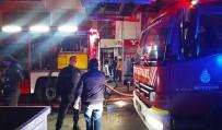 Gaziosmanpaşa'da Yangın Paniği Açıklaması 12 Kişi Dumandan Etkilendi