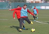 Göztepe'de Yeni Transfer Kamil Wilzeck İlk Antrenmanına Çıktı