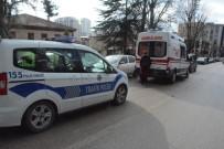 Kamyonet Yayaya Çarptı; Yaya Yaralandı