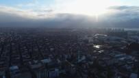 GÖKYÜZÜ - Kar Beklenen İstanbul'da Zaman Zaman Güneş Ve Gökyüzü Gözüktü