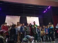 SOSYAL HİZMETLER - Öğrencilere Tiyatro Etkinliği