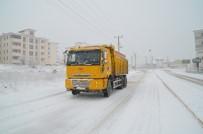 HASTANE - Safranbolu'da Kar Küreme Ve Tuzlama Çalışması