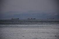 Sinop'ta Fırtına Deniz Ulaşımını Ve Balıkçılığı Etkiliyor