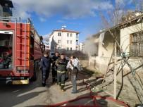 AKSARAY BELEDİYESİ - Aksaray'da Müstakil Evde Yangın