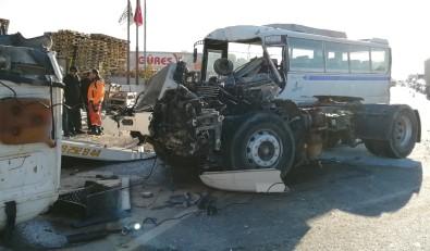 İşçi Servisi Kaza Yaptı Açıklaması 10 Yaralı