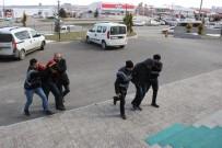 CUMHURİYET ALTINI - Karaman Polisi, Telefon Dolandırıcısı 3 Kişiyi Kıskıvrak Yakaladı