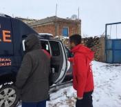 Kardan Yolu Kapanan Mahallelerde 25 Hasta Hastaneye Ulaştırıldı