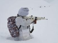 POLİS ÖZEL HAREKAT - Karlı Dağlarda Terör Operasyonu