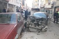BARBAROS HAYRETTİN PAŞA - Kırıkkale'de Trafik Kazası, 2'Si Ağır 3 Yaralı