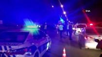 Kız Kaçırma Kovalamacasında Kaza Yapan Uzman Çavuş, Linç Girişiminden Havaya Ateş Açarak Kurtuldu