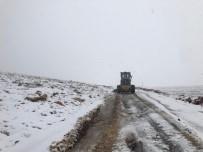 Nusaybin'de Kardan Dolayı Kapanan Yollar Temizleniyor