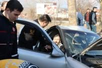 Sakarya'da Feci Kaza Açıklaması 10 Yaşındaki Çocuk Hayatını Kaybetti, Anne Ve Baba Yaralandı