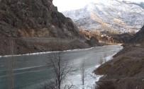 ÇORUH - Türkiye'nin En Hızlı Akan Nehri Olan Çoruh Buz Tuttu