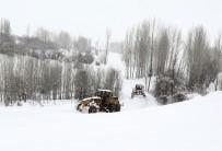KALP HASTASI - Van'da 300 Yerleşim Yerinin Yolu Açıldı