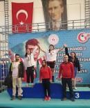 MEHMET AKİF ERSOY - 14 Yaşındaki Fatma Gül'den Büyükler Şampiyonasında Türkiye Rekoru