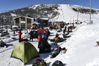 ALİ ŞAHİN - Dağcılar Zigana Dağında Kamp Kurdu