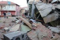 Depremin Geride Bıraktıkları Gün Işığıyla Ortaya Çıktı