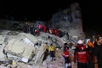 Depremin yaşandığı Elazığ'da vatandaşlar sokaklarda sabahladı
