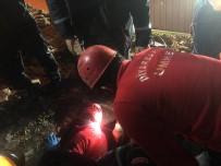 Diyarbakır'dan Elazığ'a Sevk Edilen Ekipler Canla Başla Çalışıyor