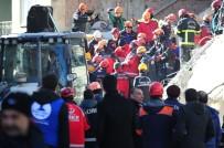 Enkazdan 8 Kişi Kurtarıldı 1 Kişi Hayatını Kaybetti