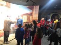 PANORAMA - Gönüllü Gençler Yetimleri Sevindirdi