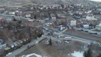 Mehmetçik Sivrice'de Vatandaşların Çadırını Kurdu