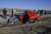 Otomobil Elektrik Panosuna Çarptı Açıklaması 6 Yaralı