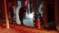Patlayan Trafo Mahalleyi Elektriksiz Bıraktı
