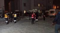 Van'dan Elazığ'a Arama Kurtarma, Sağlık Ekibi Ve Çadır Gönderildi