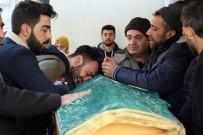 Depremde Hayatını Kaybeden 5 Kişilik Aile Son Yolculuğuna Uğurlandı