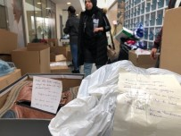 Elazığ'a Gönderilen Paketlerden Çıkan Notlar Duygulandırdı